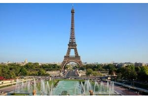 Giá tour đi châu Âu giảm mạnh vì bất ổn chính trị
